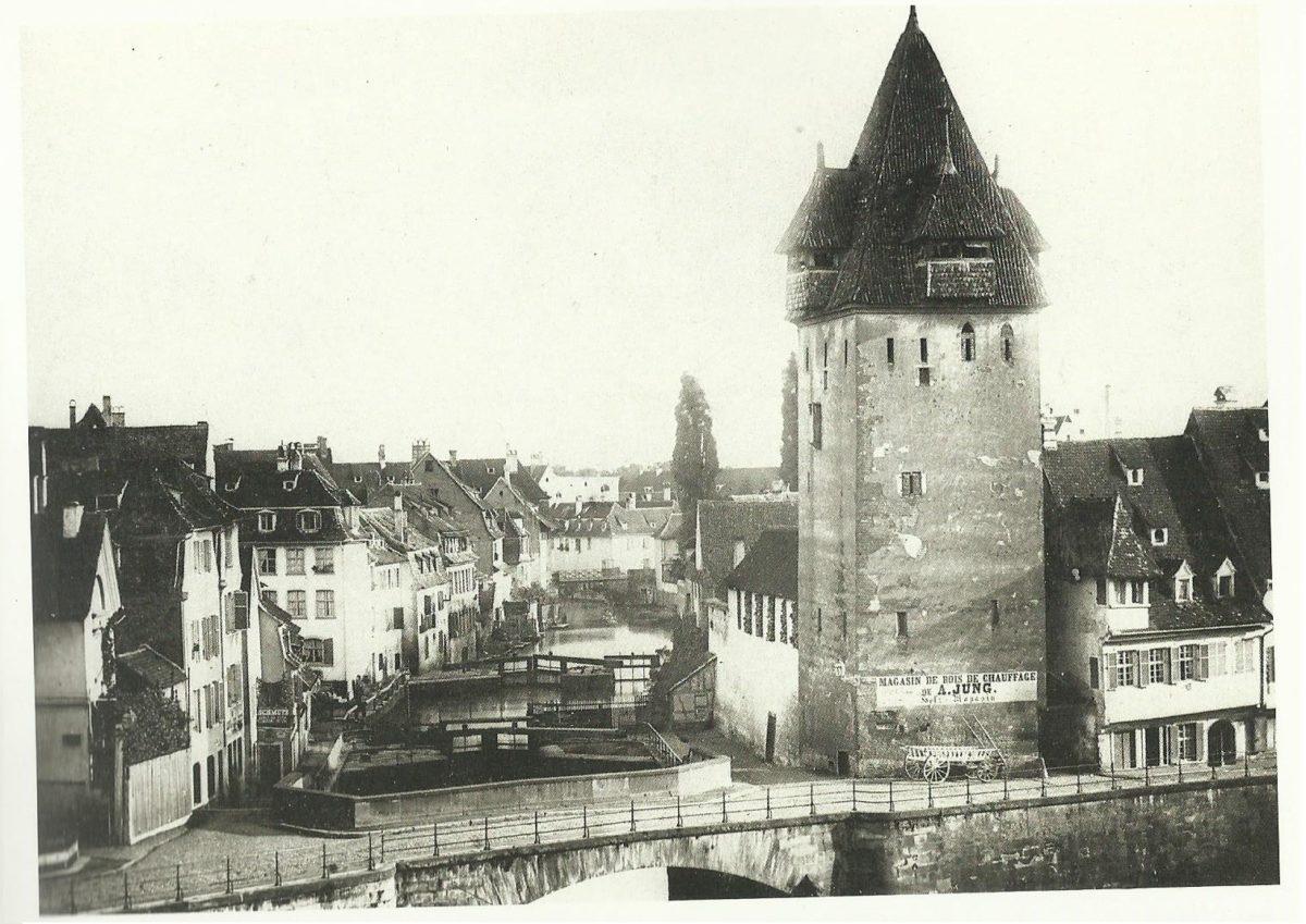 Strasbourg des vestiges du moyen ge trouv s sous les for Rue du miroir strasbourg